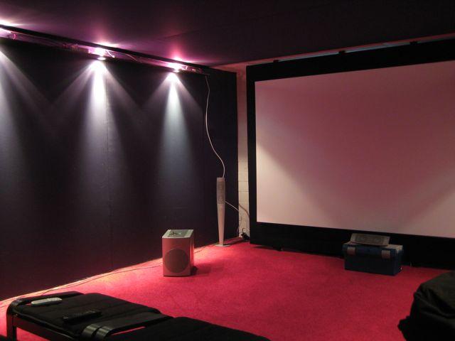 endlich licht im heimkino neunzehn72. Black Bedroom Furniture Sets. Home Design Ideas