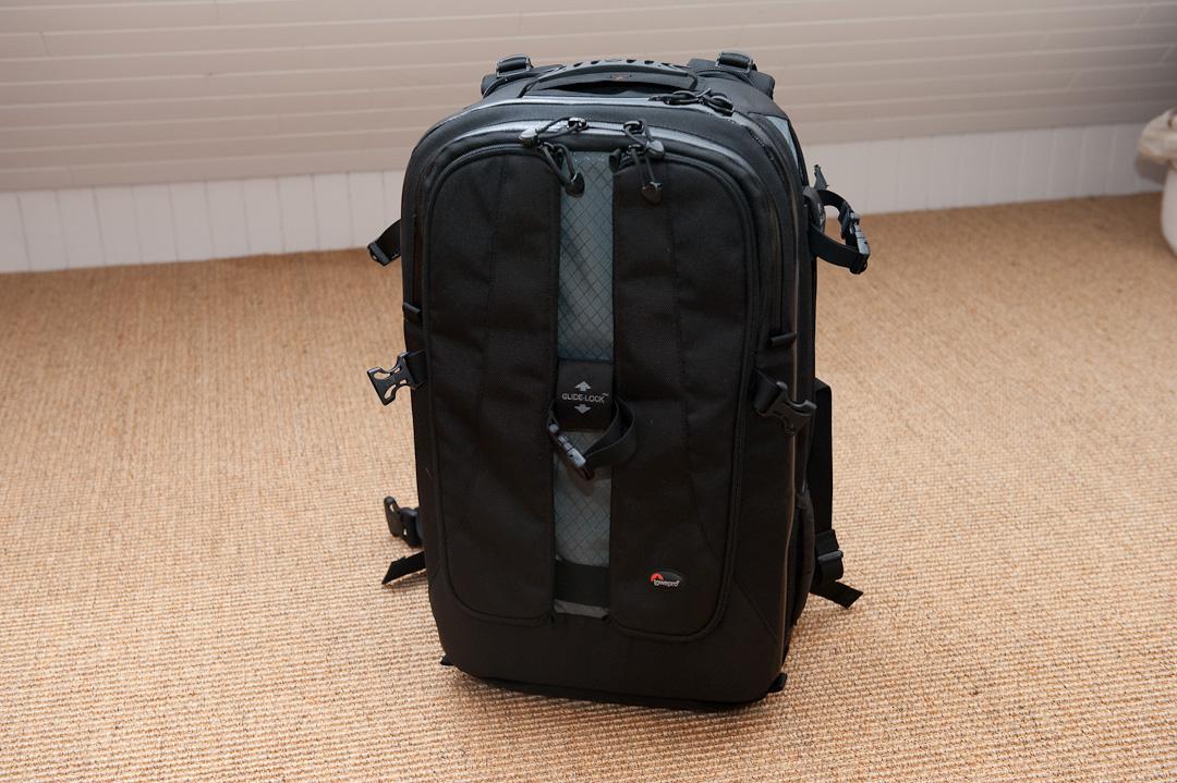 lowepro vertex 300 aw test fotorucksack mit laptopfach f rs handgep ck neunzehn72. Black Bedroom Furniture Sets. Home Design Ideas