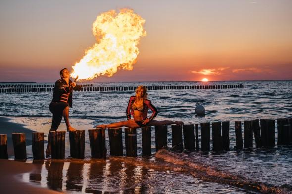Feuerspucker am Strand