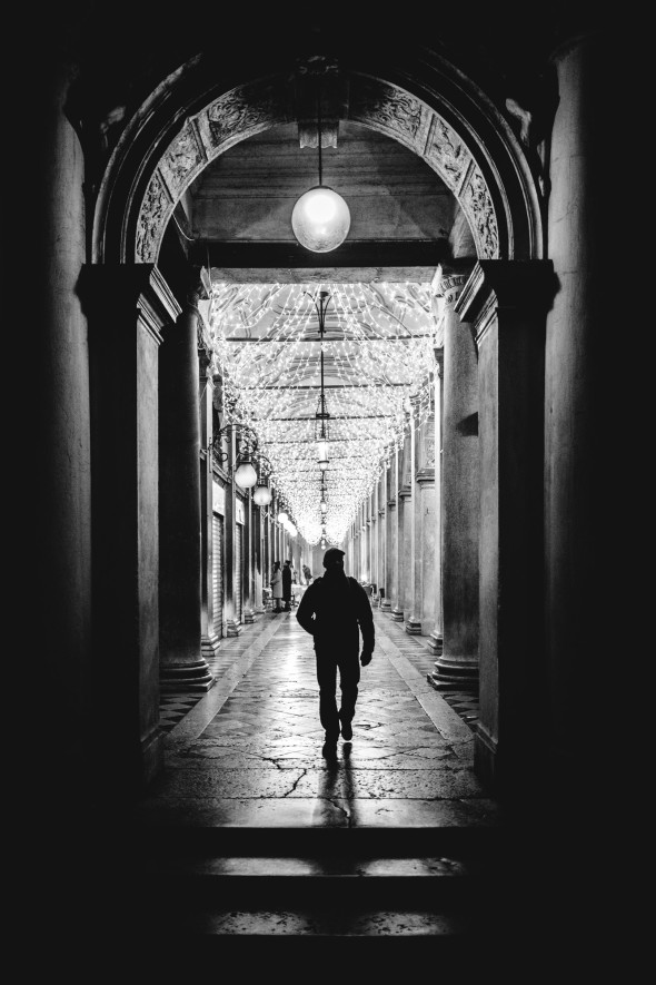 Venedig Streetfotografie - LEICA Q (Typ 116) 1-125 Sek. bei f - 1,7 ISO 1600