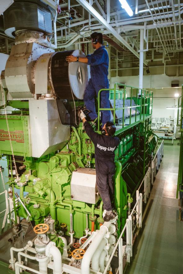 Arbeiten am Dieselgenerator