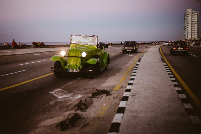 Man könnte stundenlang Autos auf den Straßen Kubas angucken. Leica M240 + Summilux 35