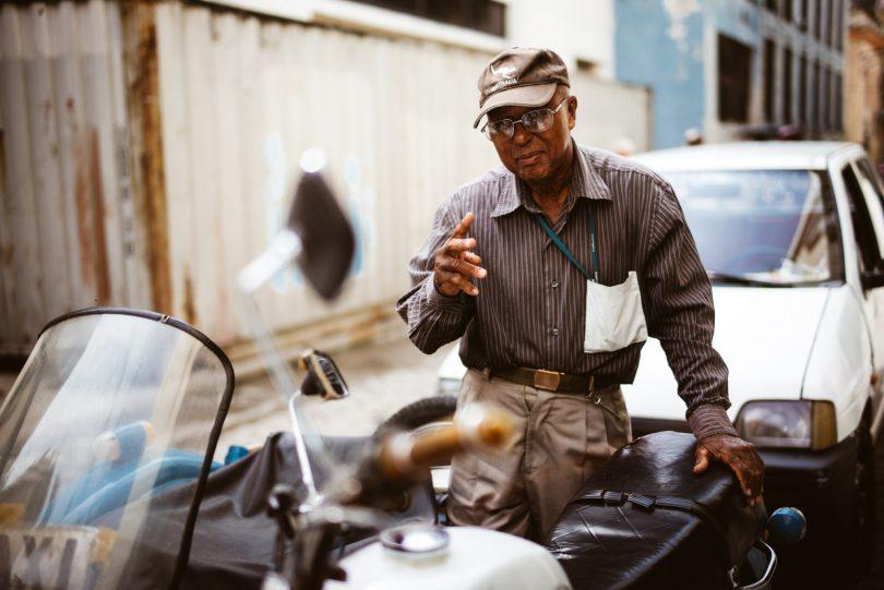 Die ersten Begegnungen in Havanna. Ich bin gleich wieder von der Freundlichkeit der Menschen gegenüber Fotografen fasziniert.