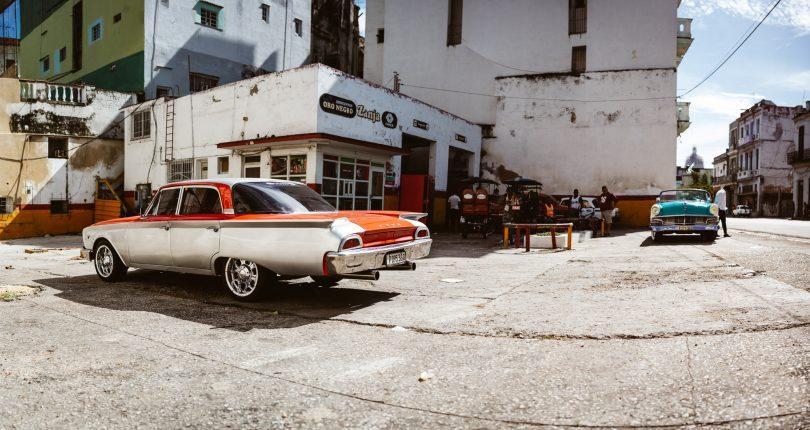 Ich könnte hier den ganzen Tag Autos fotografieren.