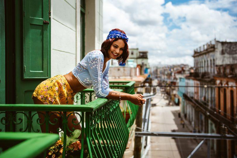 Unser Balkon mit Blick in die Straßen
