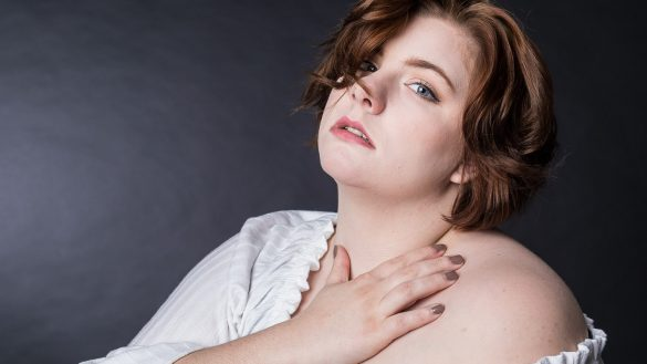 Studioporträt junge Frau