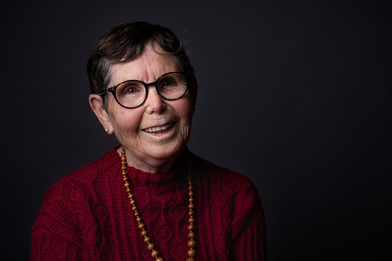 Studioporträt alte Frau